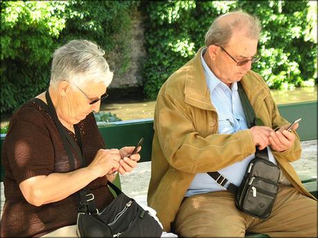 old-people-phone.jpg
